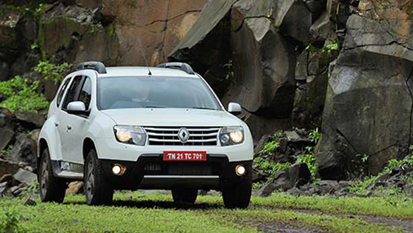 Renault Duster AWD front